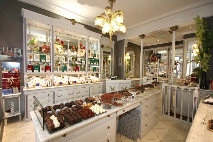 vente de chocolats par correspondance vente de chocolats fins debauve et gallais. Black Bedroom Furniture Sets. Home Design Ideas