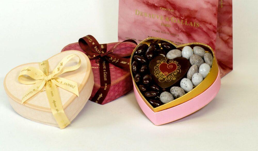 coffret-de-chocolats-en-forme-de-coeur